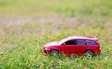 海外赴任が決まったら車を売却するべき?売るタイミングや必要書類を解説