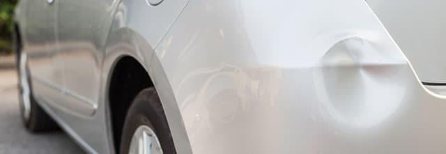 傷やへこみのある車はどれくらい減点・減額される?高く売るためのコツを紹介