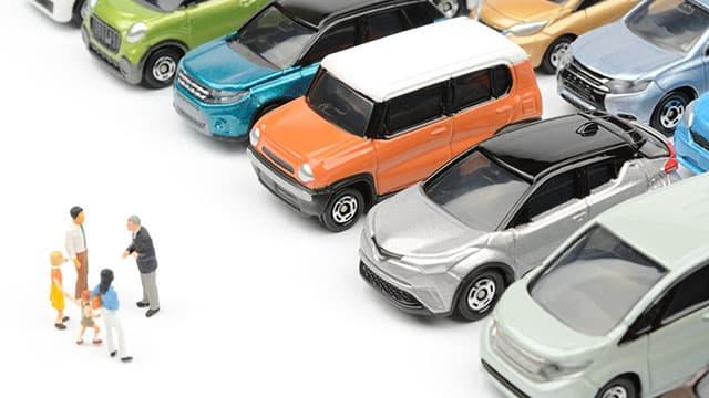 ディーラーと買取業者での車売却は何が違う?