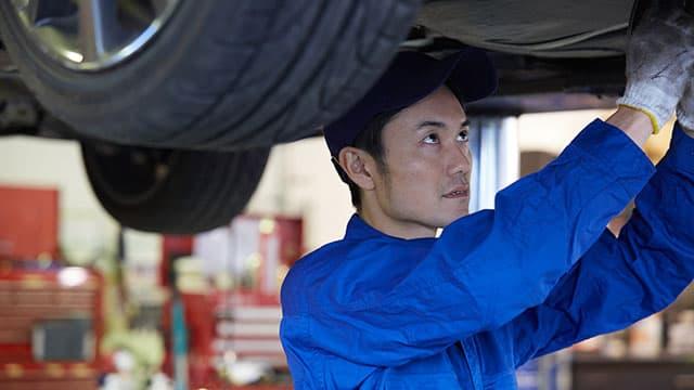 オイル漏れの車を売却する業者はどこがおすすめ?