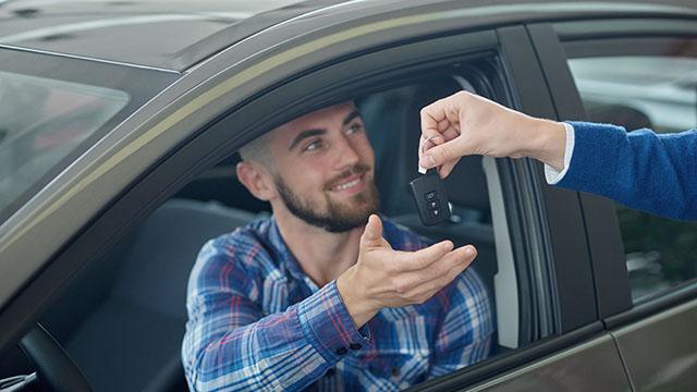 車は安心の買取業者に高く売ろう!