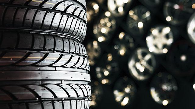純正タイヤ、海外製の格安タイヤなどで査定に差はあるの?