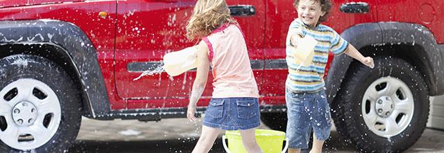 車査定前に洗車するだけで査定額はアップするの!?